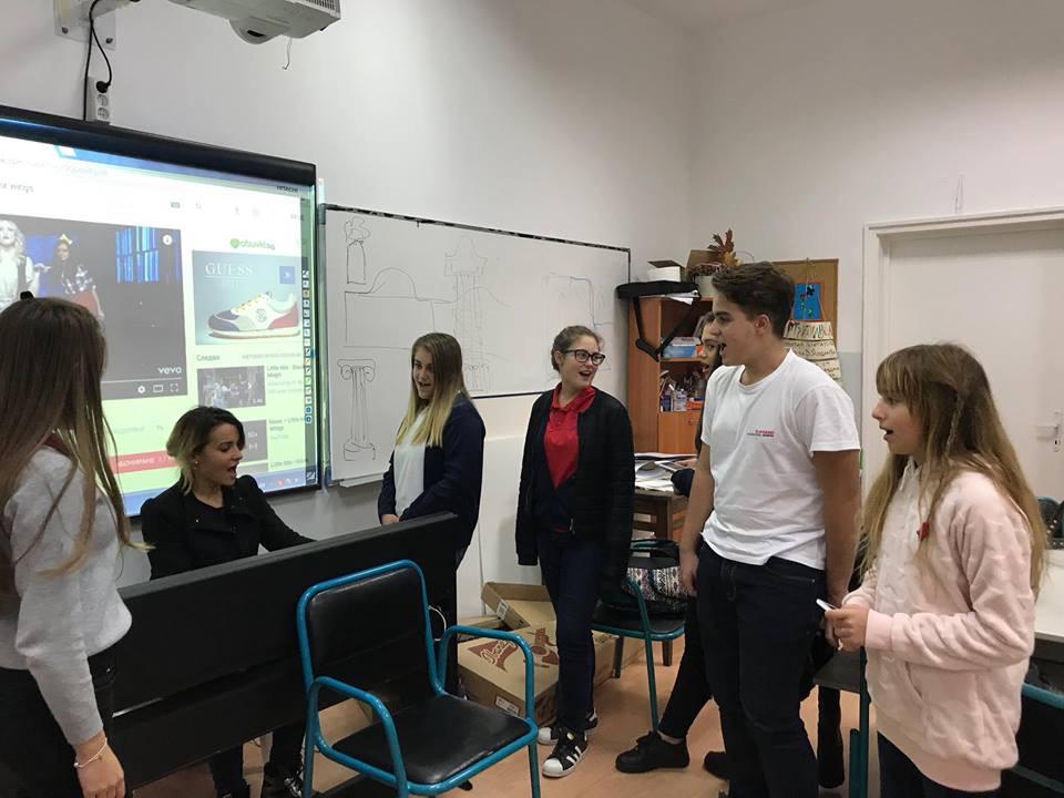 Новосъздадената музикална група в Международна гимназия Златарски